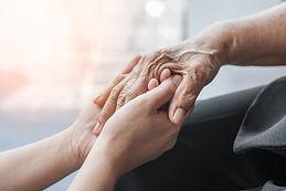 Doença de Alzheimer aumenta riscos de gravidade e morte por COVID-19