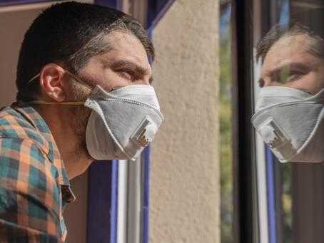 Máscaras não 'privam' o cérebro de oxigênio e nem causam doenças neurodegenerativas