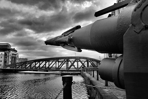Harpoon on the Water of Leith, Edinburgh