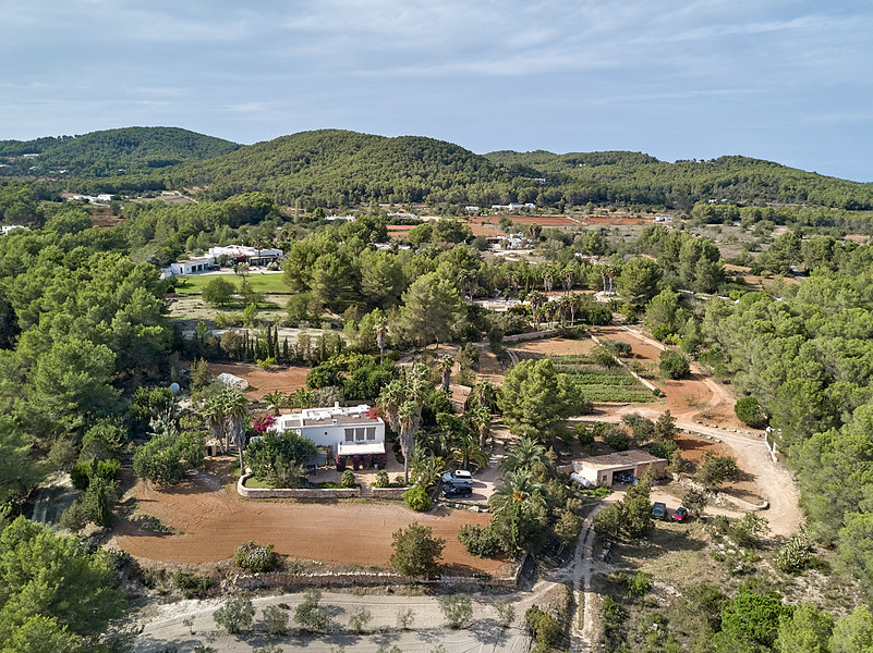 can-riera_drone_200924_02_1200px.jpg