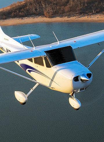 Cessa 172 Skyhawk by Cesna.jpg