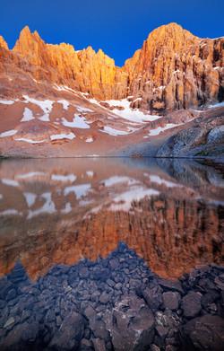 Dipsiz Lake