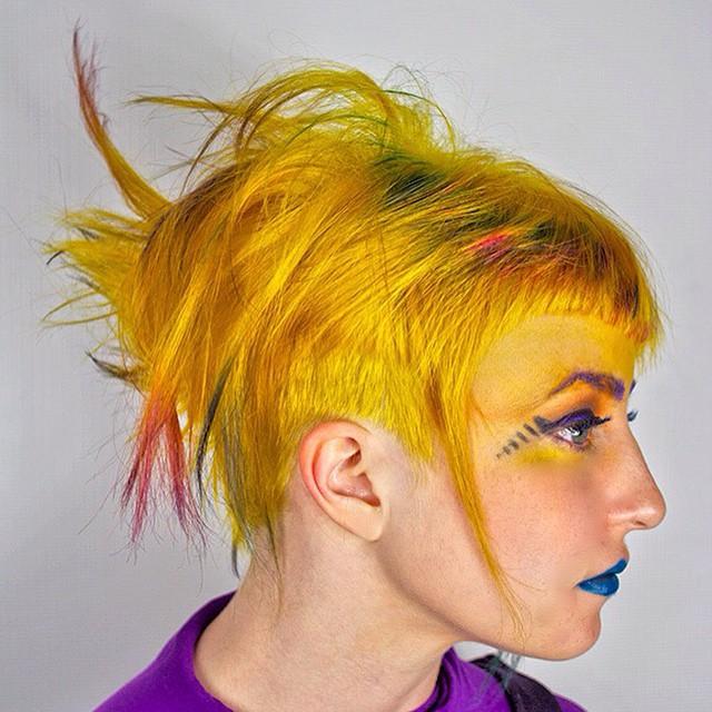 #dominiqueSnow #dominiquehair #salondezen #hairstylista #hairbydominique #discovamp