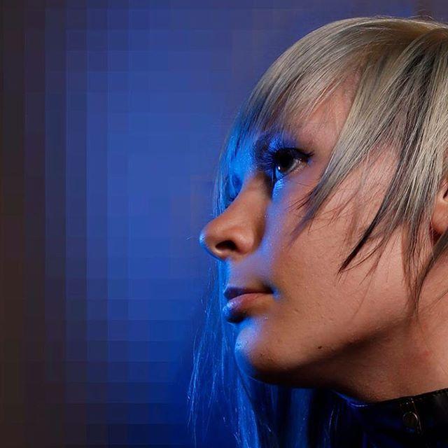 #blueonblue #bluevelvet #bluevamp #discovamp #disconnectedhair #disconnectedhaircut #avantgarde #ban