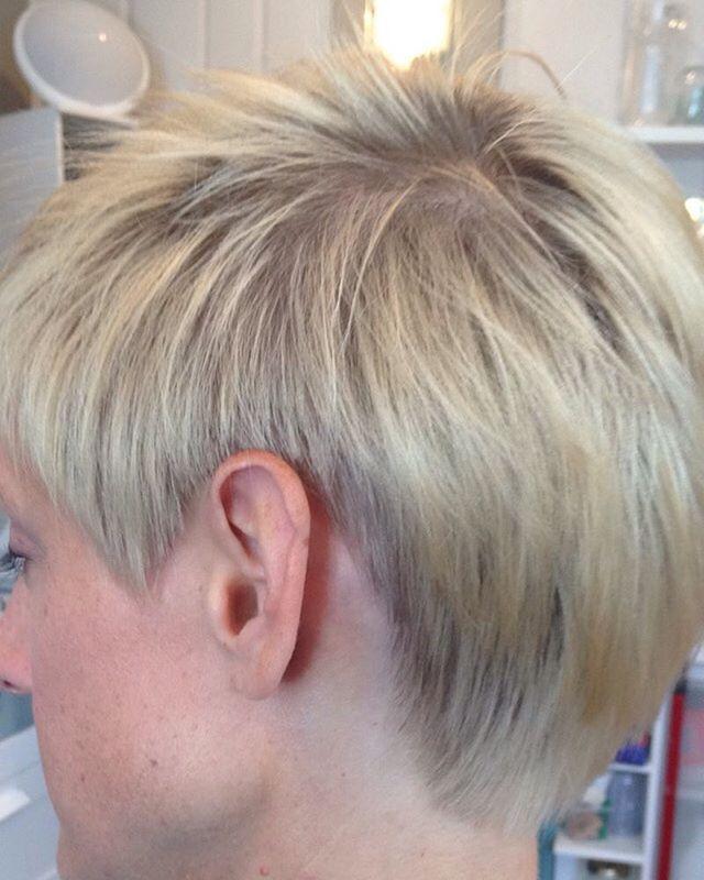 #pixiedisconnect #pixie #pixiecut #pixiehair #shorthair #blondambition hair by #dominiquesnow11 #dom