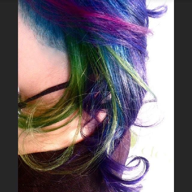#fashionhair #fashionhaircolor #unicornhair #rainbowhair #electrichair #pravanavivids #americansalon