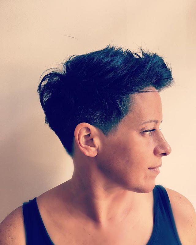 Hair by #dominiquesnow #dominiquesnowhair #shorthair #shorthairdontcare #shorthair2017 #fallhair2017