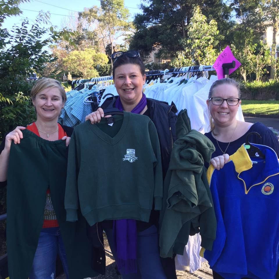 Anna, Dani & Sharlynn at the Saturday Preloved Uniform Stall