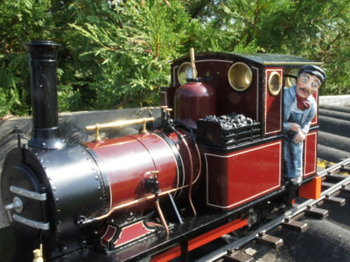 1067 Tom Rolt the Accucraft Dolgoch and Talyllyn No1 loco driver (Height 70 mm)