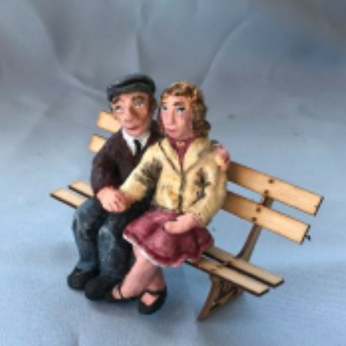 1062 The Village Lovers (Height 75 mm)