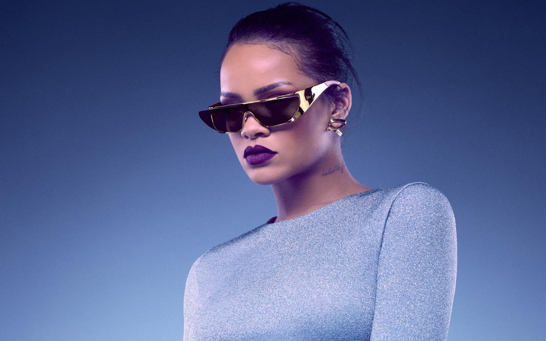 Rihanna-Dior-glasses-rihanna-39639397-14