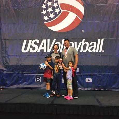 FAMILY USA VOLLEYBALL.jpg