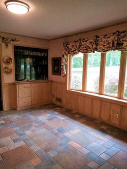 Breakfast Area with Built-ins