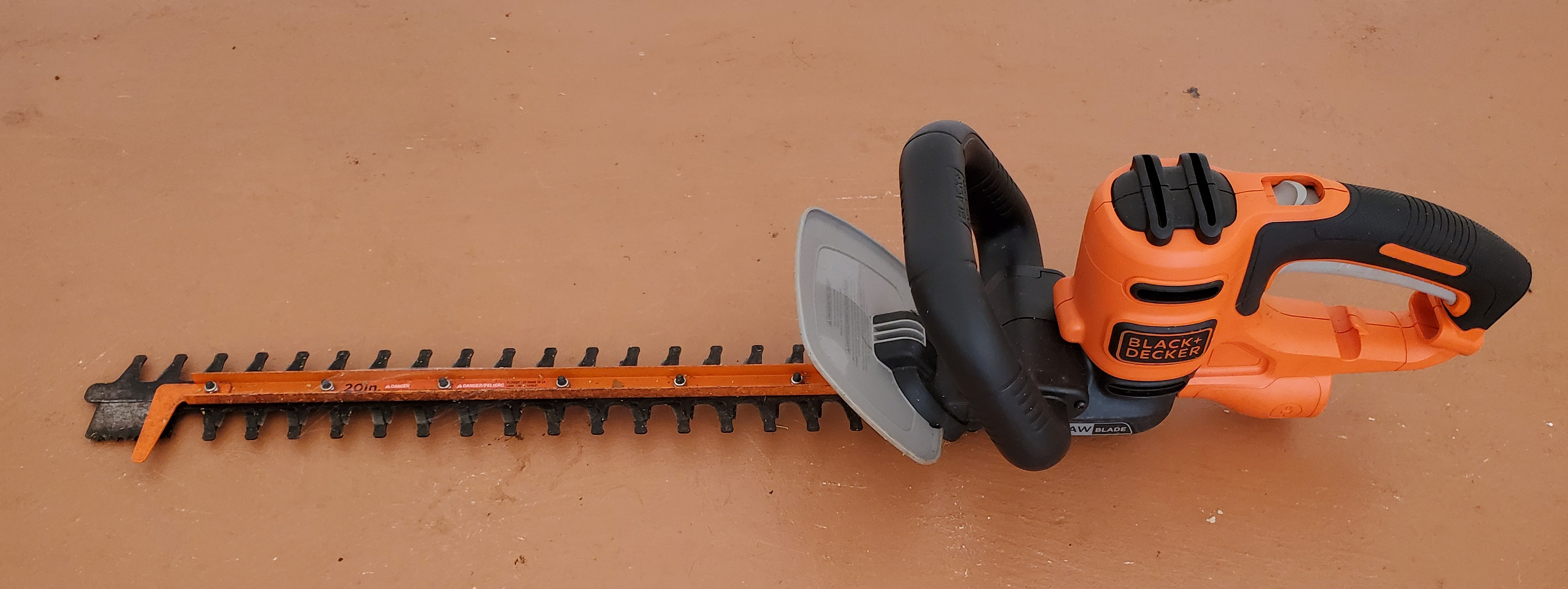 Black & Decker 20 In Hedge Trimmer