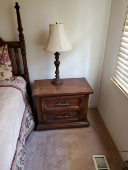 King BR End Table & Lamp