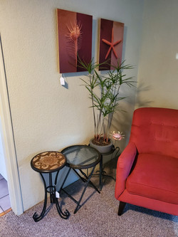 Round Tables & Plant Stands