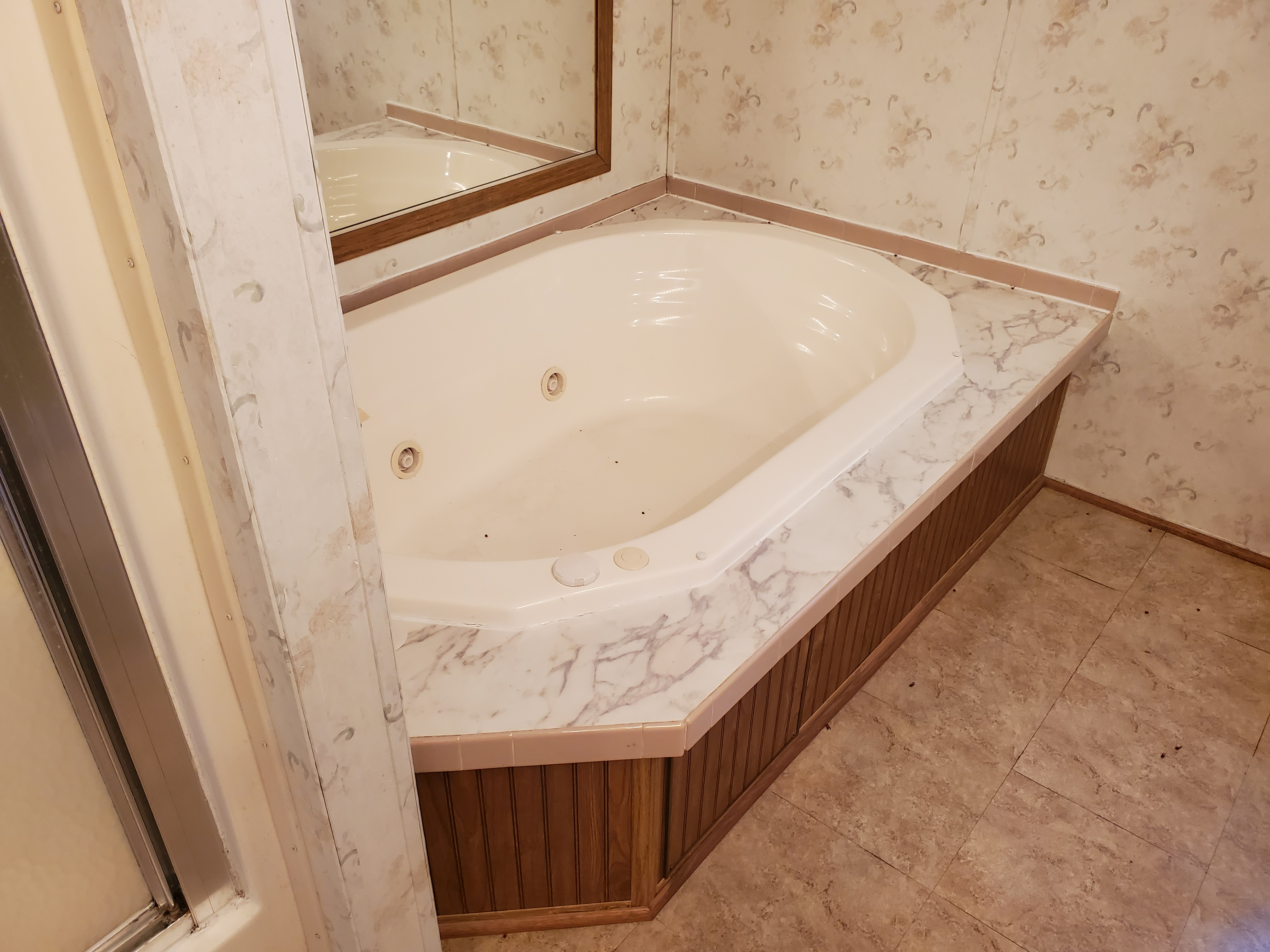 MH Master Bathtub