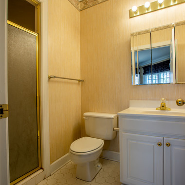 Main Level Full Bath in Back BR.jpeg