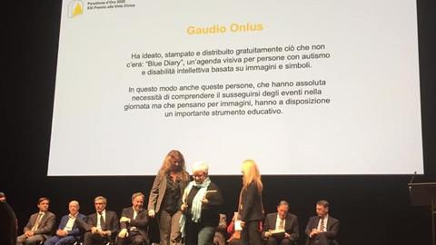 GaudioOnluscon l'agenda visivaBlueDiaryha vinto il Premio alla Virtù Civica «Panettone d'