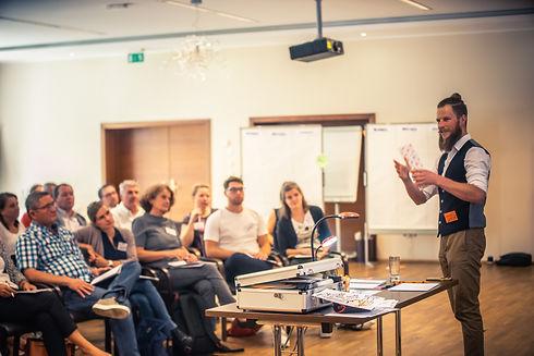 Meeting Moderation_Markus Engelberger.jp