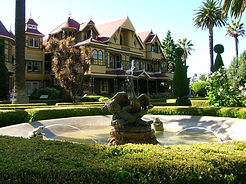 Winchester_Mystery_House_San_Jose_01.jpg