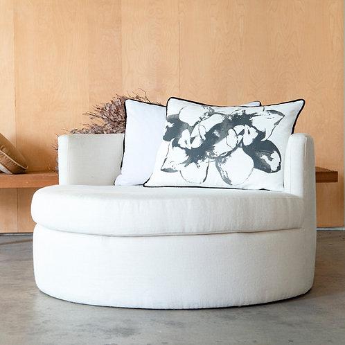 Oval Sofa · 3 Seats