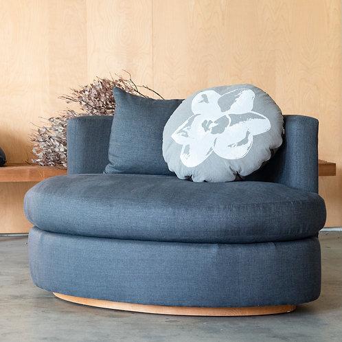 Oval Sofa · 2 Seats
