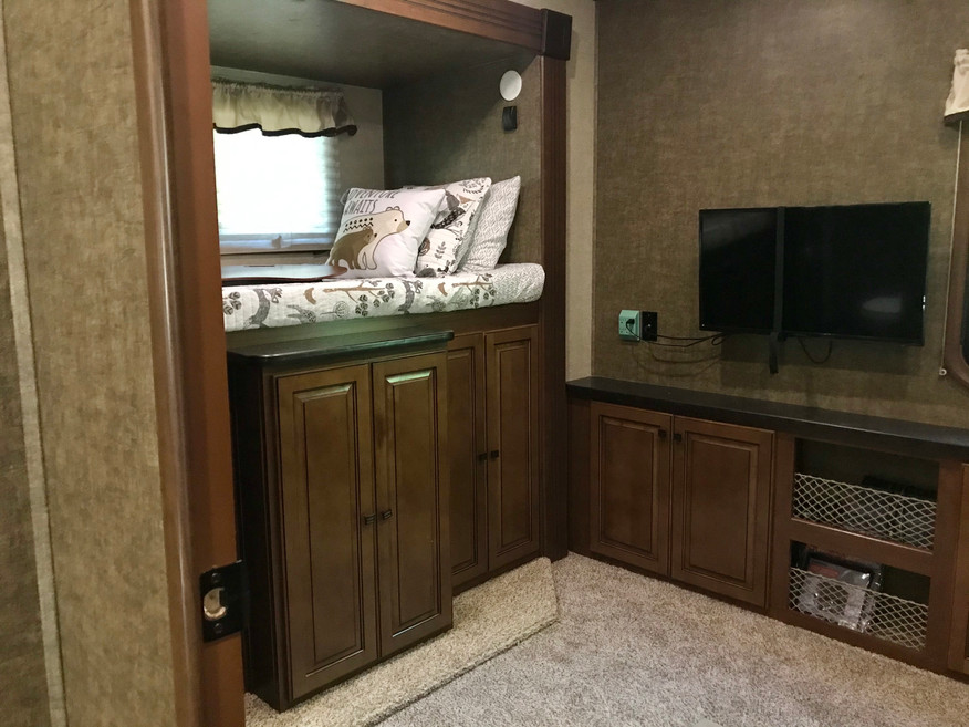Bunk Room with Tv/DVD Player