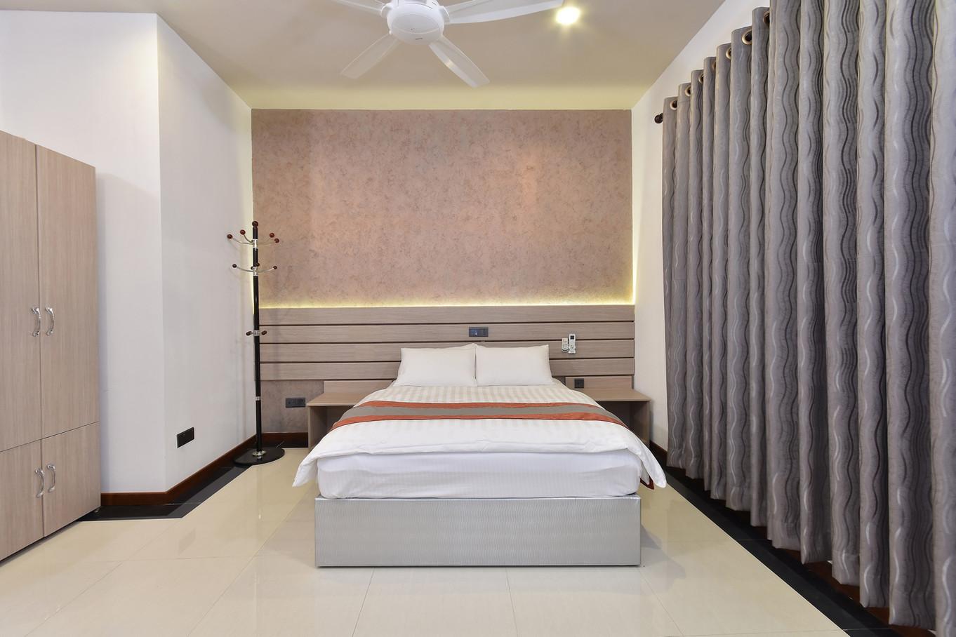 Deluxe Room (3).jpg