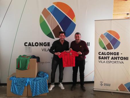 L'Escola de Futbol de Calonge i Sant Antoni dóna les antigues equipacions al Projecte Xevi