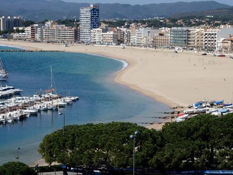 Les platges de Palamós s'acondicionen per acollir usuaris complint totes les mesures necessàries