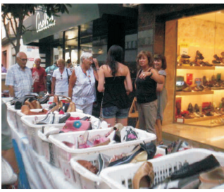 28a edició de la botiga al carrer a ritme de Swing