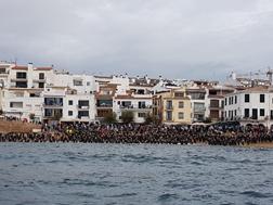 Gran èxit de convocatòria de la 11a edició de la Radikal Ocean52: més de 1.400 nedadors i els carrer