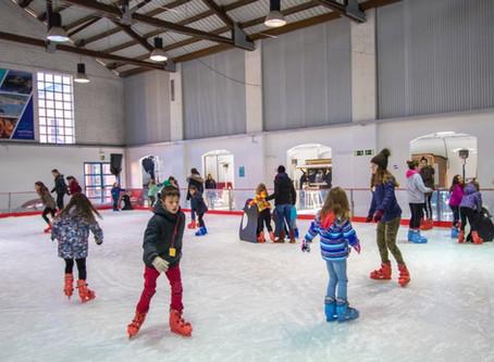 La pista de gel de Palafrugell atrau més de 5.000 patinadors