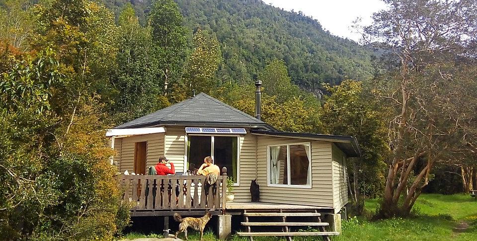 Hostal B&B, Valle de Cochamó, inicio del sendero a La Junta, alojamiento, hostedaje