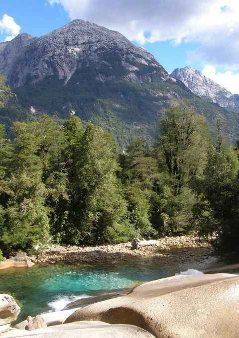 Toboganes la Junta, valle de Cochamó, trekking, senderismo, la junta y toboganes por el día