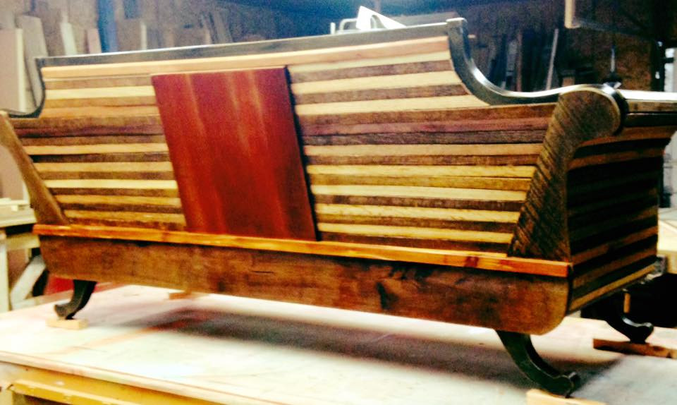 TN Tobacco Stick & Persimmon Wood Couch