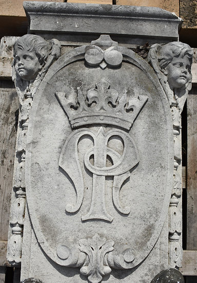 Carved Key Stone Portland