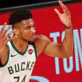 Giannis Antetokounmpo meet with Bucks after unfollowing teammates