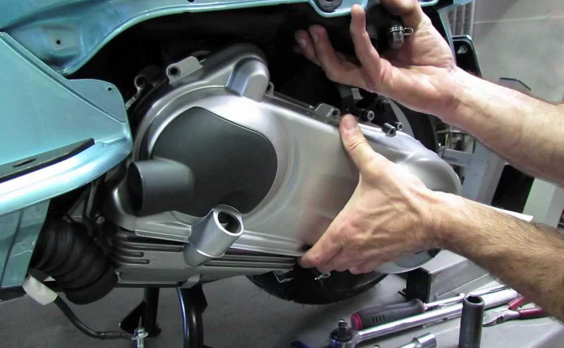 Clutch & Variator casing