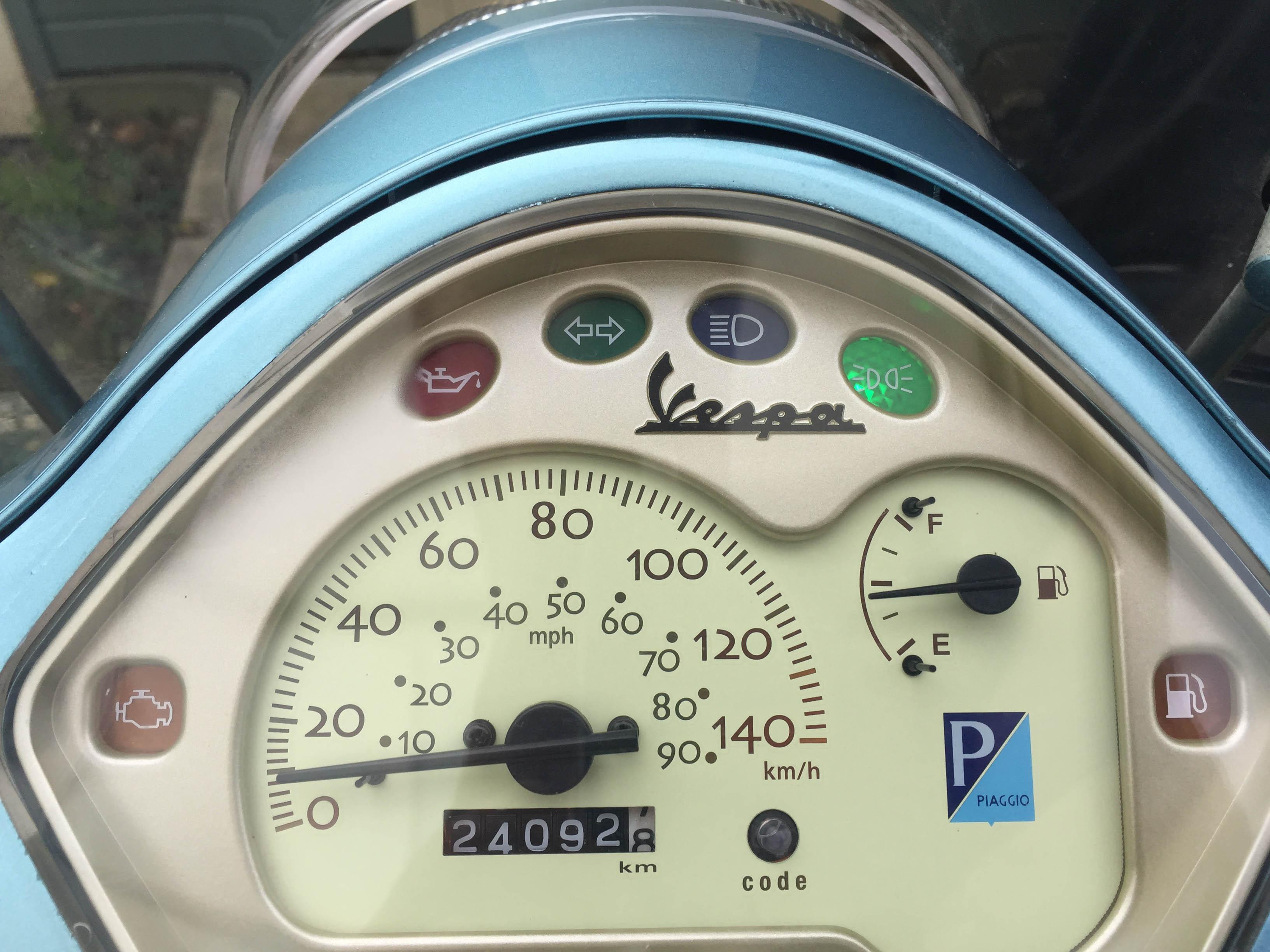 Vespa LX125ie 2010 Celeste dash