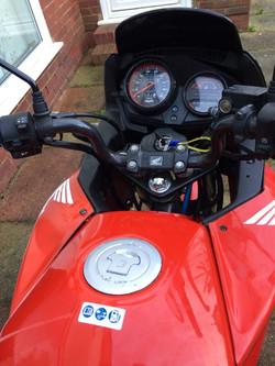 HondaCBF125 Red 2011 tank dash