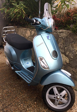 Vespa%20LX125ie%202010%20Celeste%20Blue%20main_edited.jpg