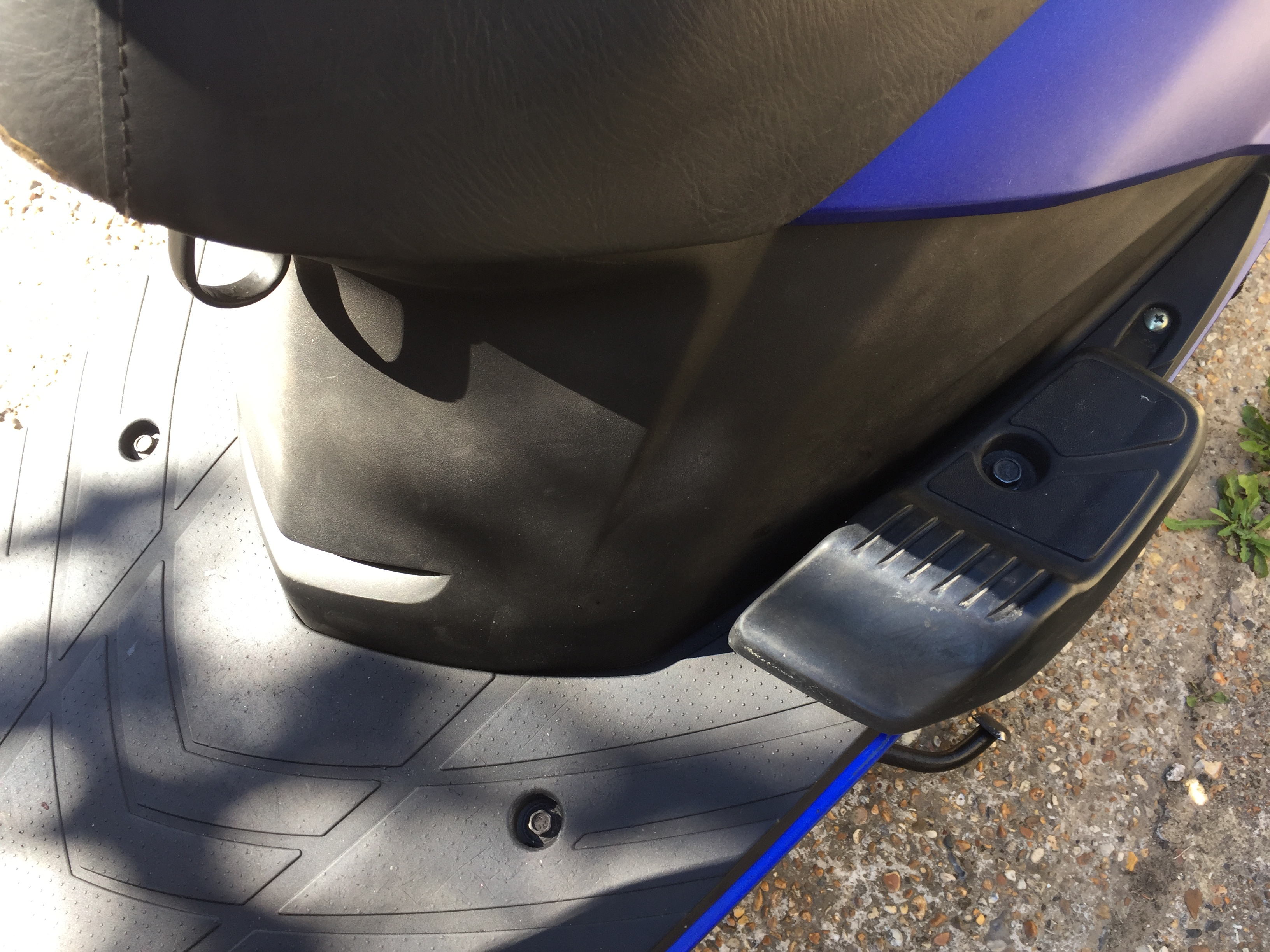 Honda SCV 100 Lead Foot rests