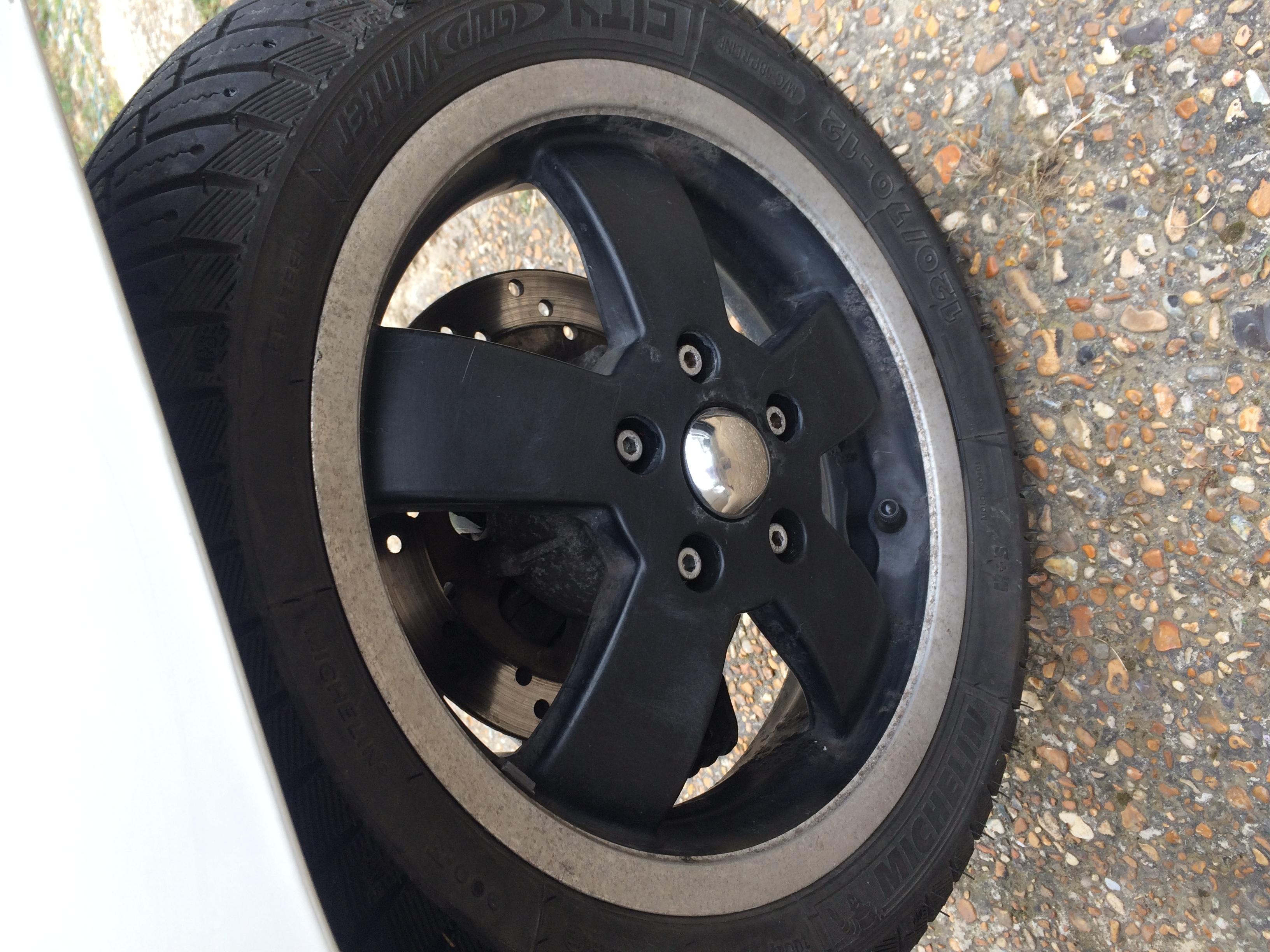 VGTS300 Front Wheel