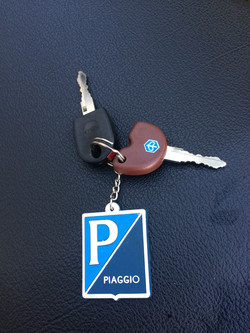 PiaggioFly125 2016 White security keys