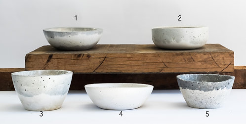 Medium Planters & Bowls