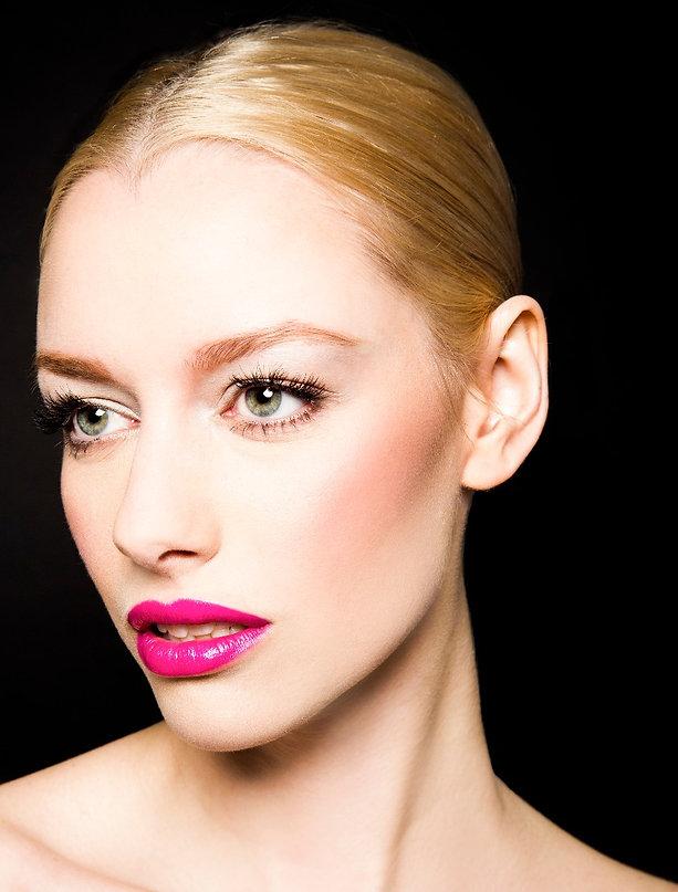 Natural Beauty Bold Lip Makeup