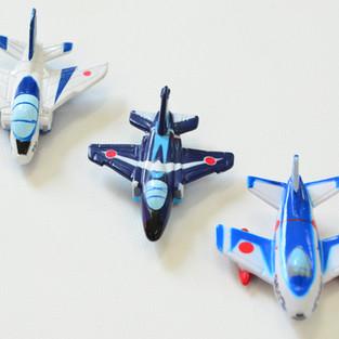 Blue Impulse Magnet 3 successive machines