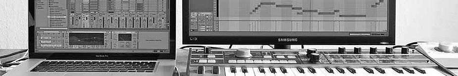 Tapelab, Practice-oriented Education, Workshops, Private Lessons, Macbook Pro, Ableton Live, Microkorg Keyboard